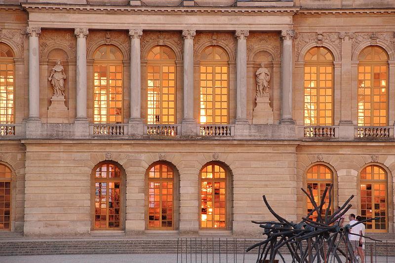 Grandes casas del mundo versailles i panel de for Fachada casa clasica